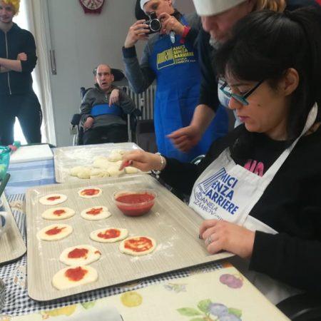 La preparazione delle pizzette